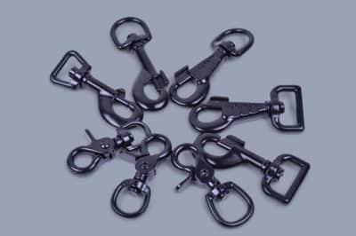 Snap hooks black plated